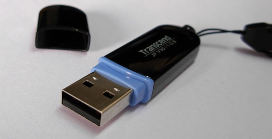 Safely remove USB drive with EjectUSB application